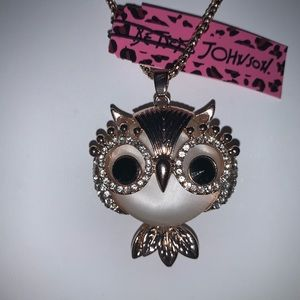 Reduced! Betsey Johnson Chubby Owl Pendant